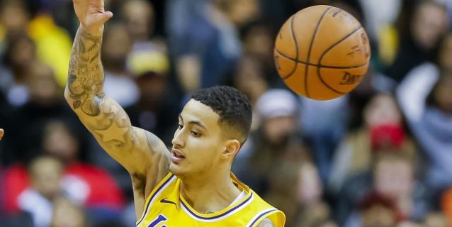 NBA: 101-127. Kuzma lidera una exhibición de Lakers, con James lesionado, ante Warriors