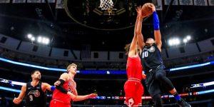 NBA: James acapara la atención dentro y fuera del campo; los Spurs consolidan su liderato
