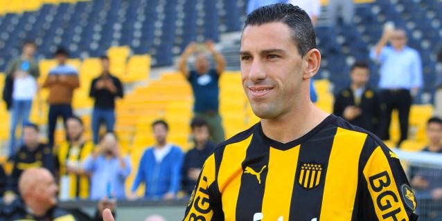 El argentino Maxi Rodríguez deja al Peñarol y regresa al Newell's Old Boys