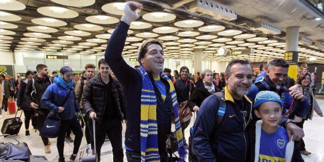 La última oleada de aficionados de River y Boca aterrizan sin incidentes