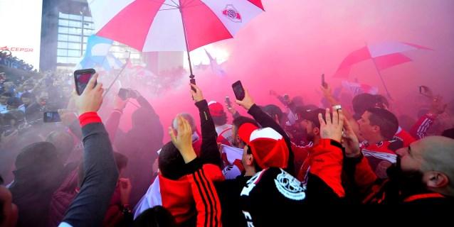 Aficionados no podrán recibir al River Plate en el aeropuerto por seguridad