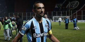 Atlético Nacional ficha al argentino Hernán Barcos y uruguayo Pablo Cepellini