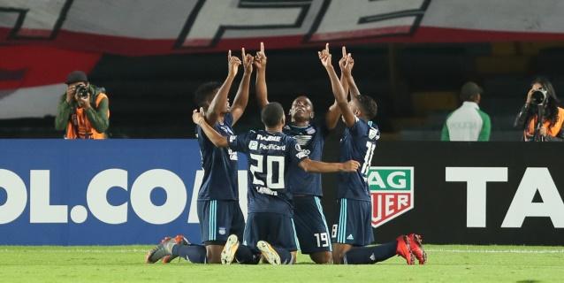 """Emelec golea con sus nuevas figuras a Sporting Cristal en la """"Explosión Azul"""""""