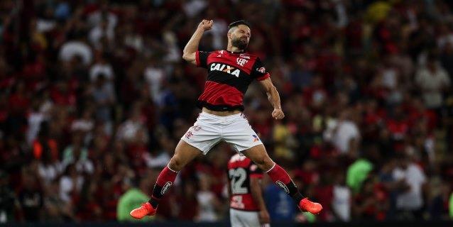 El Flamengo renueva el contrato del volante Diego Ribas