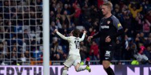 El Atlético prolonga su acoso mientras mejora el Real Madrid