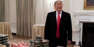 Trump recibe un equipo universitario en la Casa Blanca con Burger King y McDonald's