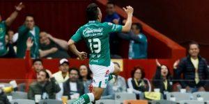 El ecuatoriano Ángel Mena anota un par de goles en goleada de León a Toluca