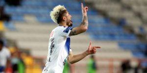 Chileno Sagal rescata empate para el Pachuca de Palermo en la casa de los Lobos