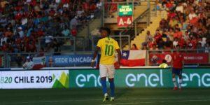 Uruguay se enfrenta a un Brasil colista y urgido de victorias