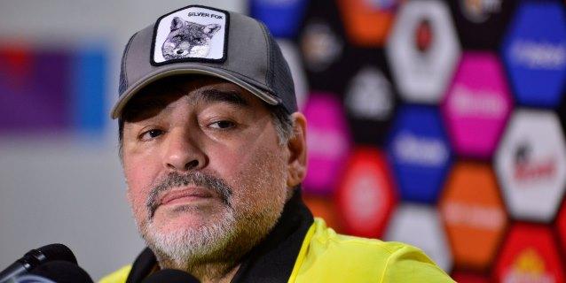 Maradona recuerda su gol ante Italia tras el triunfo de Dorados en penaltis