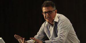 Juan Carlos Osorio llama delincuente al agente que lo acusa de pedirle una coima
