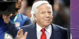 El dueño de los Patriots, Robert Kraft, acusado de solicitar prostitución