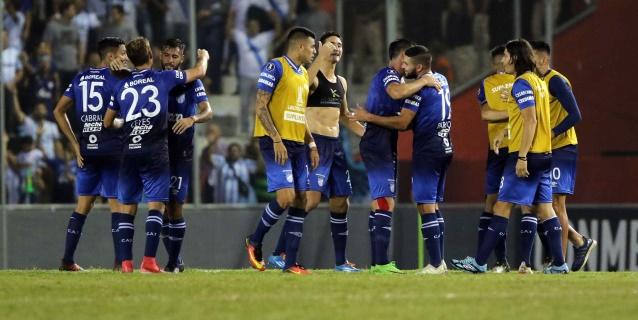 Atlético Tucumán gana en la Bombonera y Boca se despide de la lucha por el título