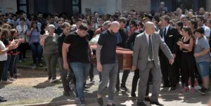 Trasladan el cuerpo de Sala al crematorio de la ciudad argentina de Santa Fe