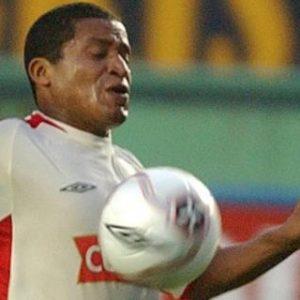 Muere a los 44 años el exfutbolista peruano Carlos 'Kukín' Flores