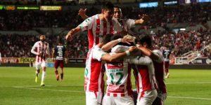 Necaxa rescata empate de último minuto ante el Guadalajara