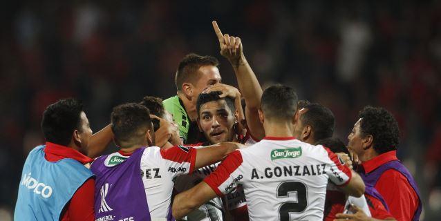 La Conmebol multa a los equipos chilenos por errores en la presentación de listas