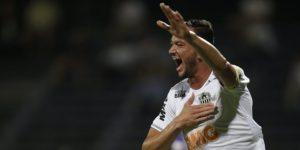 0-2. Rever y el ecuatoriano Cazares ponen al Mineiro en la fase de grupos
