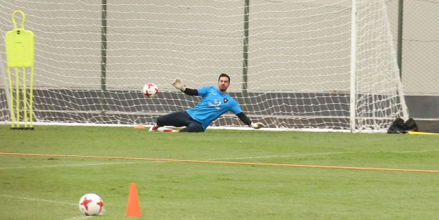 La Albirroja afronta amistosos con nuevos jugadores y con la baja de Santander