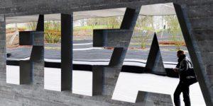 Un juez permite que continúe la demanda contra Televisa por supuestos sobornos a la FIFA