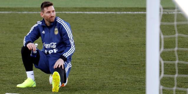 """Menotti tiene """"miedo"""" de que Messi juegue ante Venezuela porque está cansado"""