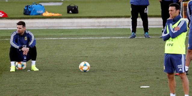 Messi, al margen en los partidillos en el segundo entrenamiento de Argentina
