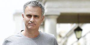 Mourinho, triste por la eliminación, aclara que no se ha contactado con él