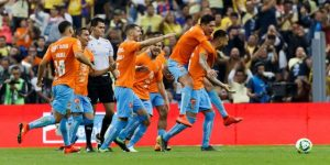 América golea 3-0 a los Tigres UANL con goles de sudamericanos