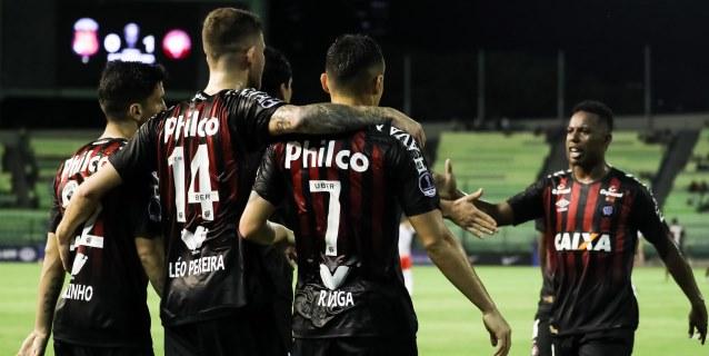 Lucho González, baja del Atlético Paranaense para el duelo ante Deportes Tolima