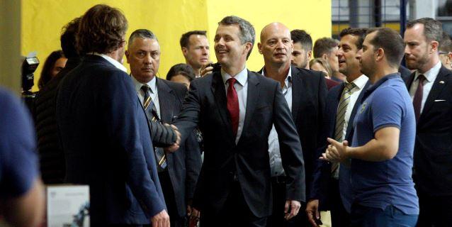 Federico, príncipe de Dinamarca, visita la Bombonera