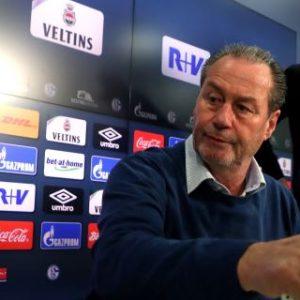 Stevens entrenará a Schalke hasta final de temporada tras el adiós a Tedesco