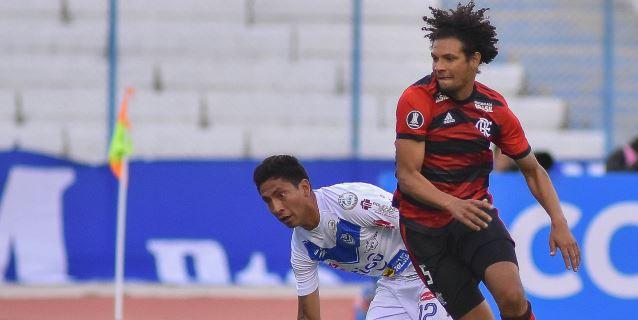 0-1. 'Gabigol' saca para el Flamengo los tres puntos de la altitud de Oruro
