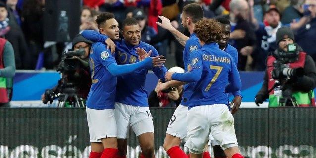 Francia e Inglaterra arrollan; Portugal decepciona y Cristiano se lesiona