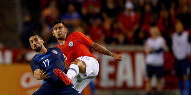 1-1. Chile juega para ganar y se conforma con el empate