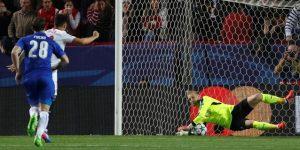 La IFAB clarifica: El balón seguirá en juego tras el lanzamiento de penalti