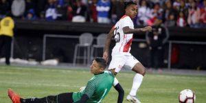 0-2. El Salvador se impone a Perú con autogol de Trauco y otro tanto de Cerén
