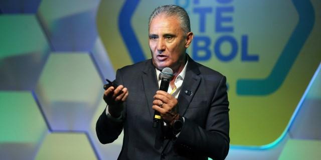 Tite dice que Neymar tiene tiempo de recuperarse y no descarta a Vinicius