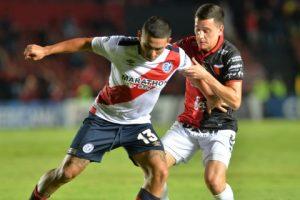 2-0. Colón ganó con suplentes al Municipal y pasó a la segunda fase
