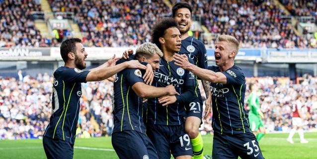 Agüero mantiene al Manchester City en el liderato