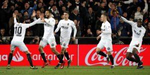 2-1. El Valencia supera a un discreto Real Madrid y deja la Champions a punto