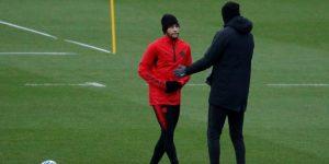 Neymar vuelve a tocar el balón pero aun debe pasar test médicos