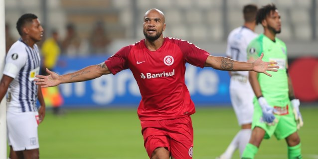 0-1. Internacional vence a Alianza Lima, pasa a octavos y gana el Grupo A