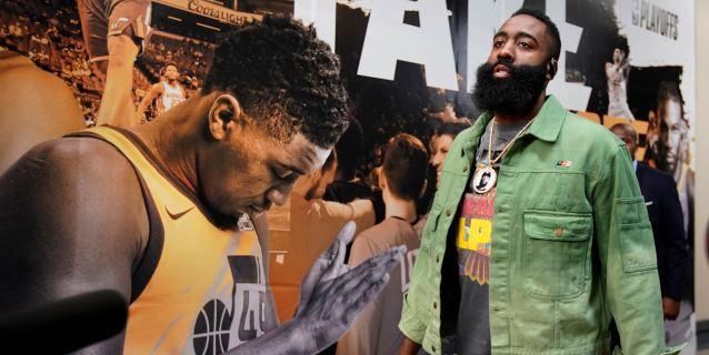 NBA: Bucks, Rockets y Sixers, a una victoria de semifinales; Nuggets empatan serie