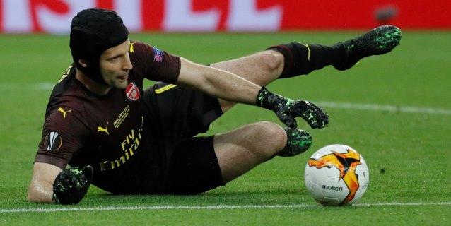 Petr Cech 'cuelga el casco' tras una amarga goleada en la final de Bakú