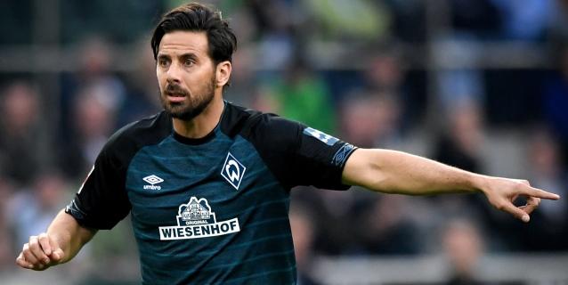 Pizarro y Santa Cruz siguen goleando 17 años después de coincidir en Bayern