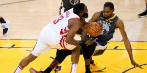 NBA: Warriors, con Durant, dominan a Rockets de Harden; Bucks empatan serie