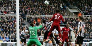 2-3. Origi rescata al Liverpool entre la agonía y se mantiene en la pelea