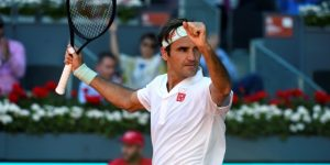 TENIS: Federer sufre, Djokovic mantiene su récord y Osaka ve peligrar el número uno