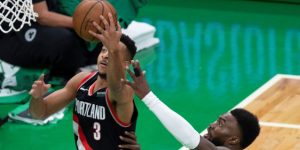 NBA: 90-97. McCollum lidera la victoria de Trail Blazers, que empatan la serie