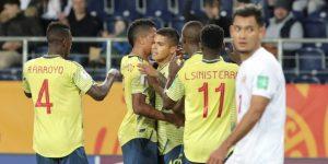 6-0. Colombia avanza a octavos de final con triplete del 'Cucho' Hernández